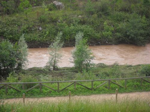 con el rio al lado